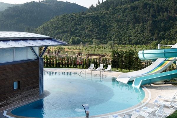 termal otelin havuz görüntüsü