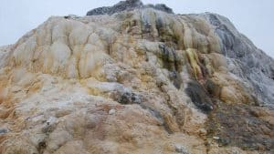termal su doğadan çıkışı