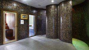 sauna girişi